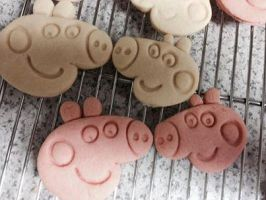 Peppa Pig and George Cookies by siobhanni