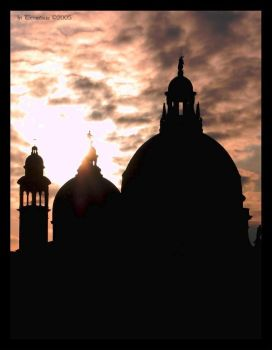 sun setting on the domes by NotturnoItaliano