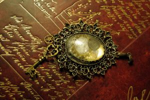 Bronze Gear and Key Steampunk Pendant by BlueMarinesFactory