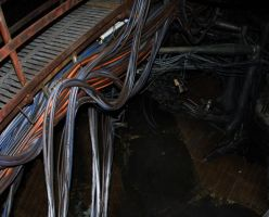 Scifi wires scaffold by horndawg