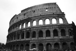 Colloseum B+W by downloader47