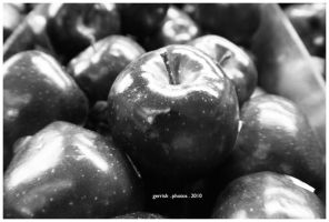 77 - Apples by gerrish
