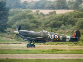 Spitfire Takeoff by amipal