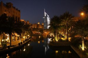 Madinat Jumeirah and Burj by largethomas