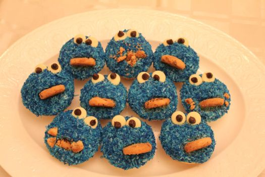Cookie Monster Cupcakes by nah-belle