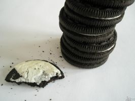 How to Eat Your Oreos by Shamasii