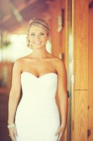 Beautiful bride by Enigma-Fotos