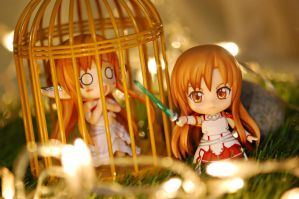 ... here come Asuna to rescue Asuna! by vince454