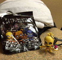 Got a Toy Chica clip from Hot Topic by FallenAngelKayaxx5