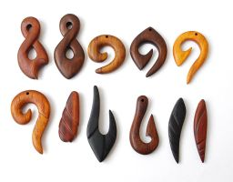 Wood jewelry 1 by BDSart
