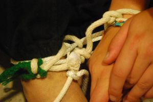 rope trick 14 - all tied up by duello