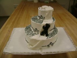 Black and white wedding cake by OliveDrop