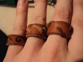 More leather rings by LeTrefle