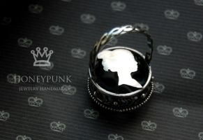Ring with ruby1 by honeypunk