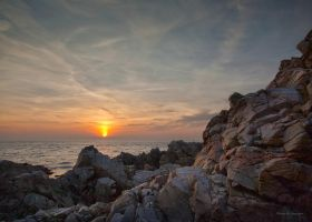 Sunset in southern Sweden by roisabborrar