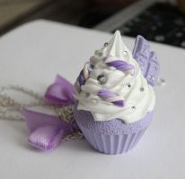 Purply cupcake by Charly-chan
