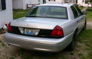 my 2001 crown vic P71 by sonicblaster59