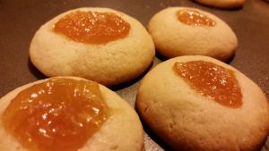 almond and apricot cookies by weeze999