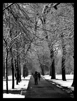Snowy Day in London by SurfGuy3