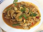 Clams in Curry Sauce by nosugarjustanger