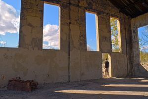 Abandoned Building - HDR by el-mateo