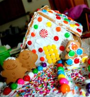 Gingerbread House by ieatSTARS
