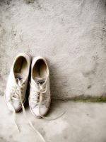 DIRTY SHOES. by giLLianbaLot