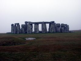 Stone Henge on a drab day by moonduster