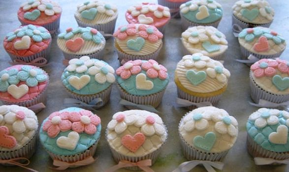cupcakes flowers and hearts by anafuji