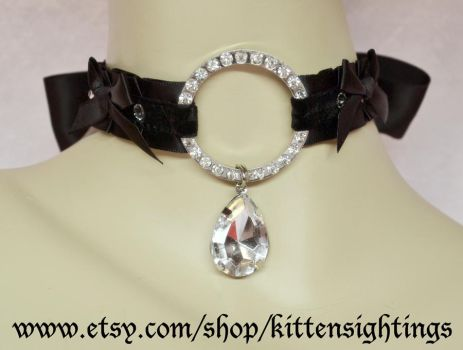 Kitten Collar w/Sparkle O-ring and bows by jezebelwitch