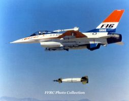 YF-16 72-1568 droping a GBU-10 laser guided bomb by fighterman35