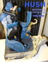 Batman and Catwoman The Kiss HUSH Statue by skphile