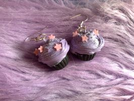 Lilac star cupcake earrings by PinkCakes