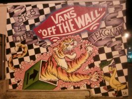 Vans 'Off the Wall' Tekgnar mural by HumbleQuietOne