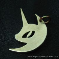 Bronze Nightmare Moon pendant by Sulislaw