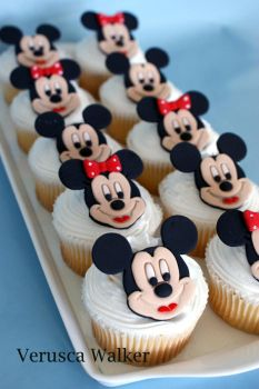 Mouse Cupcakes by Verusca