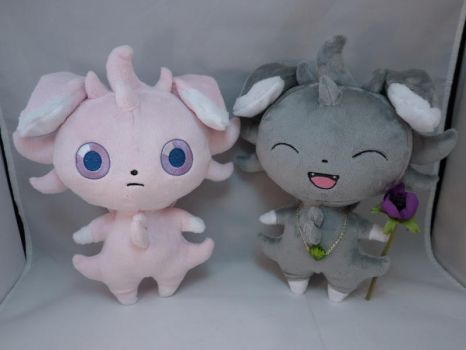 Espurr Plushies by makeshiftwings30