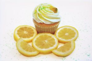 Tangy Lemon Cupcake by FightTheAssimilation