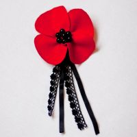 poppy brooch by Mezzochan