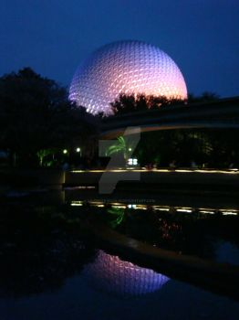 Reflections of Epcot by uaigneas-nicolin