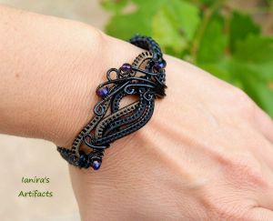Black wire wrapped leather macrame bracelet by IanirasArtifacts
