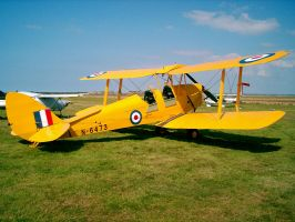 DH Tiger moth G-AOBO by captainflynn