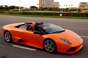 LP640 Roadster Pulling in by Teck8