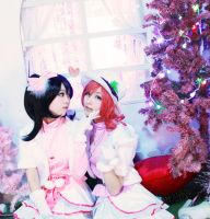 Snow Halation Maki x Nico by gnarlygnocci