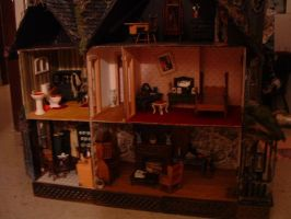 Oct07 Haunted Dollhouse 1 by DollzMaker