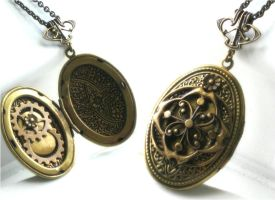 compass steam locket by JuleeMClark