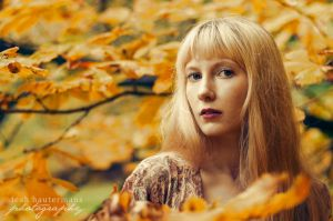 Autumn III by alassea-ancalimon