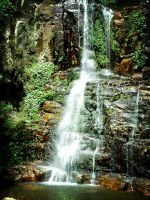 Minimura Waterfall by andyhutchinson