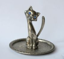 silver cat with diamond eyes by doko-stock