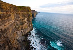 Cliffs of Moher by flavmogo